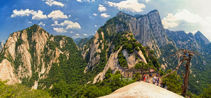 Hua Shan – the worlds most deadly hike